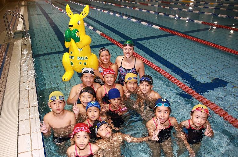 朝日スポーツクラブでの水泳教室実施